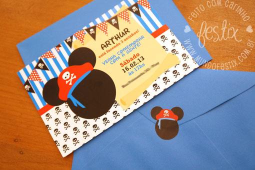 Convite, envelope e adesivo.