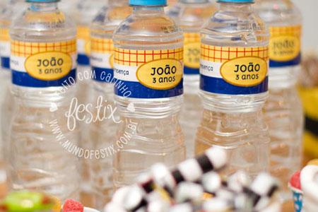 Rótulos de água mineral