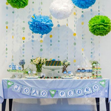 Mesa do Joao Pedro! Kit decoração (toalha e pompom)