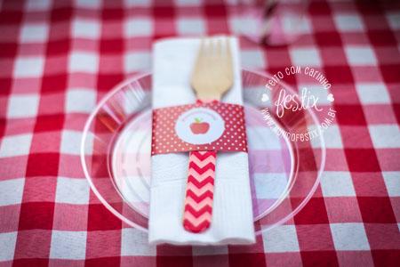 Cinta e garfo de madeira personalizados
