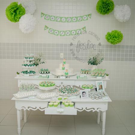 Mesa decorada pela mamãe - Bandeirola Festix